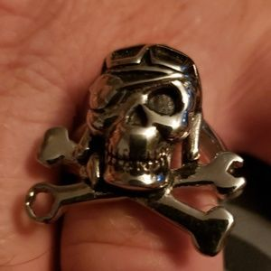 NWT Stainless Steel Pirate Skull Ring